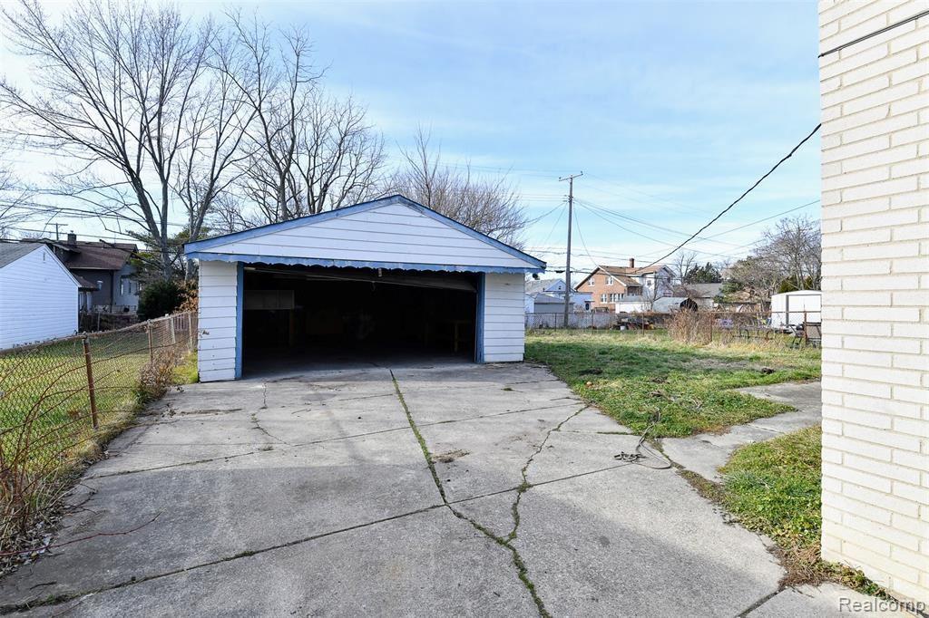 Photo of 22413 MELROSE Court, Eastpointe, MI 48021 (MLS # 2210001938)
