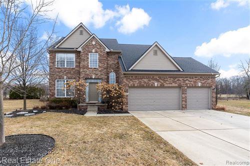 Photo of 3296 Fantail Drive, Rochester Hills, MI 48309 (MLS # 2210016941)