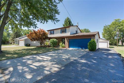 Photo of 3786 Hazelton Avenue, Rochester Hills, MI 48307 (MLS # 2200067945)