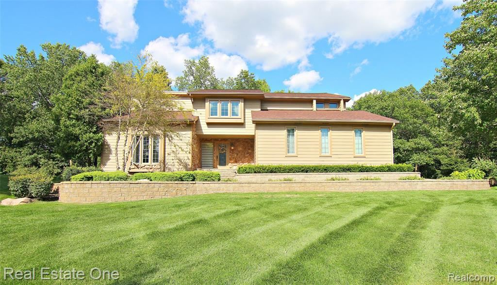 Photo for 6615 PINE RIDGE Drive, Independence Township, MI 48346 (MLS # 219081951)