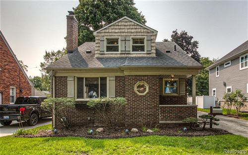 Photo of 207 ROYAL Avenue, Royal Oak, MI 48073 (MLS # 2200076953)