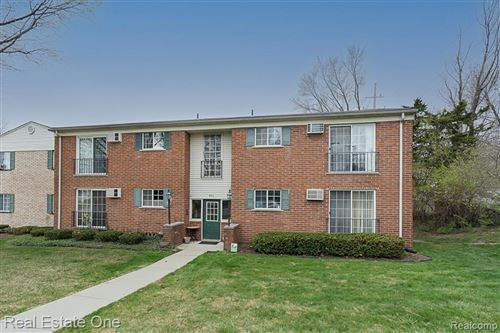 Photo of 401 Miller Avenue #206, Rochester, MI 48307 (MLS # 2210022954)