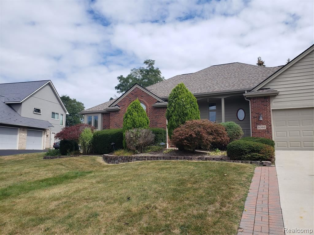 1061 Forest Bay Drive, Waterford, MI 48328 - MLS#: 2210074954