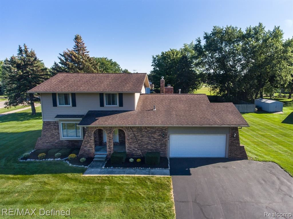 Photo for 7276 SNOW APPLE Drive, Independence Township, MI 48346 (MLS # 2210074956)