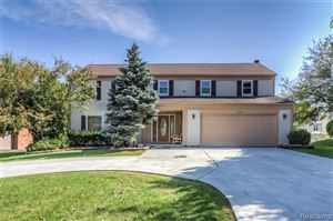 Photo of 5451 HAMMERSMITH Drive, West Bloomfield, MI 48322 (MLS # 219096959)