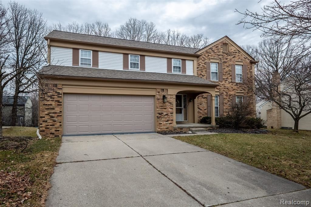 5655 Greenbriar Drive, West Bloomfield, MI 48322 - #: 2200041962