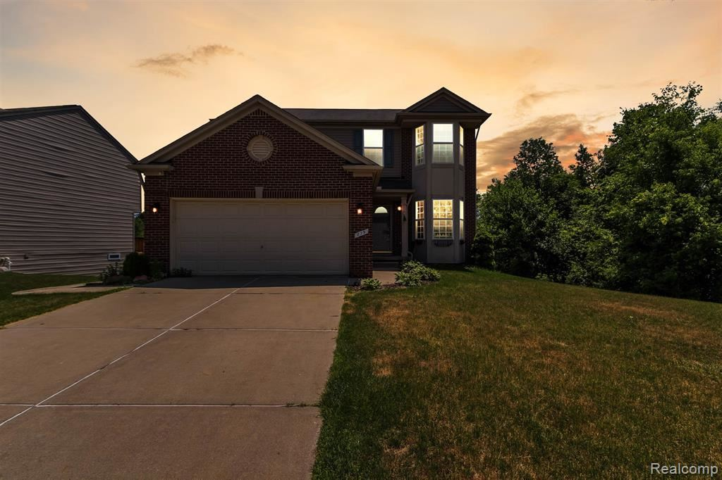 Photo of 879 DEER VALLEY Road, Holly Township, MI 48442 (MLS # 2200048962)