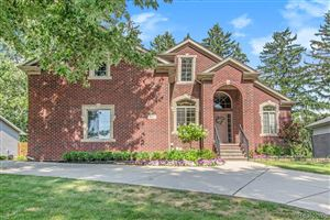 Photo of 557 Curzon Road, Rochester Hills, MI 48307 (MLS # 219069985)