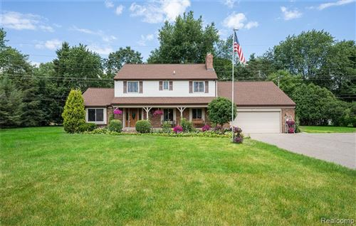 Photo of 8220 HOLCOMB Road, Springfield Township, MI 48348 (MLS # 2200048989)