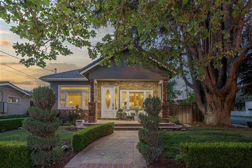 Photo of 975 Willow Glen WAY, SAN JOSE, CA 95125 (MLS # ML81839004)
