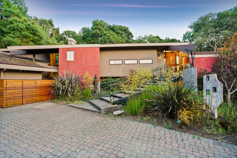 Photo for 11564 Arroyo Oaks DR, LOS ALTOS HILLS, CA 94024 (MLS # ML81804005)
