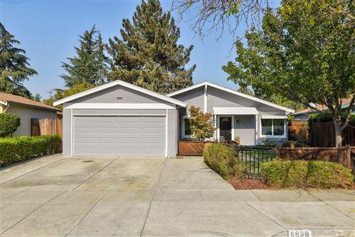 Photo of 6838 Endmoor DR, SAN JOSE, CA 95119 (MLS # ML81816017)