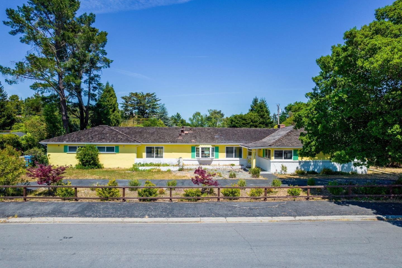 Photo for 1520 Wedgewood Drive, HILLSBOROUGH, CA 94010 (MLS # ML81848017)