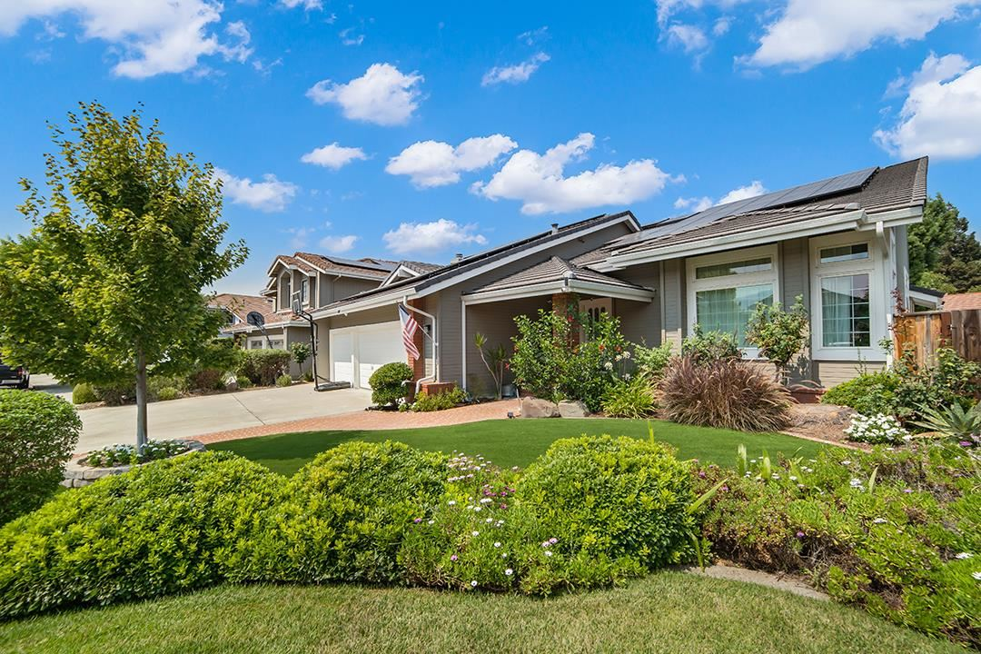 Photo for 1125 Thorntree PL, SAN JOSE, CA 95120 (MLS # ML81811023)