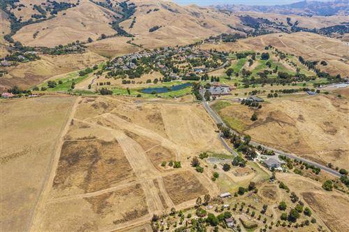 Photo of 1327 Terra Vista CT, MILPITAS, CA 95035 (MLS # ML81805029)
