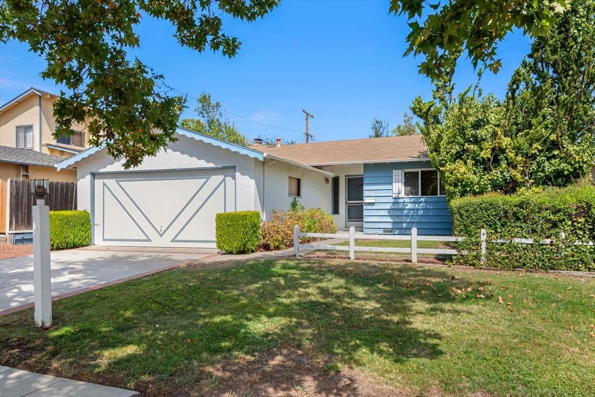 Photo for 7689 Squirewood Way, CUPERTINO, CA 95014 (MLS # ML81862029)