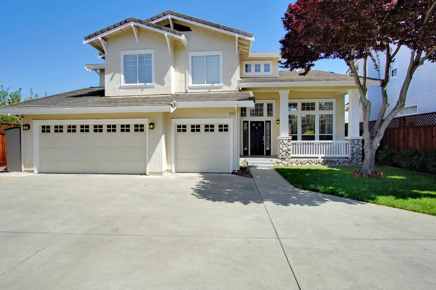 Photo for 1213 Blue Parrot CT, GILROY, CA 95020 (MLS # ML81838030)