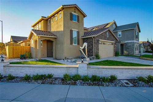 Photo of 1580 Park Trail Drive, HOLLISTER, CA 95023 (MLS # ML81868032)