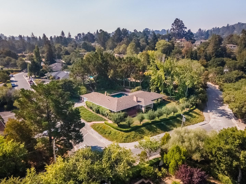 Photo for 865 Hayne RD, HILLSBOROUGH, CA 94010 (MLS # ML81808032)