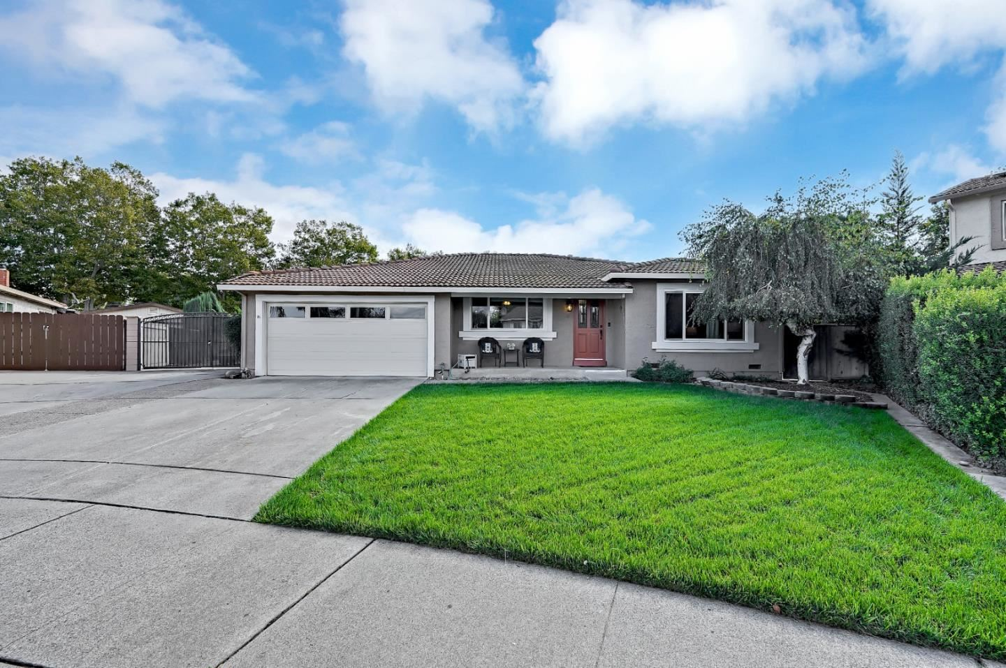 Photo for 4 Stratford Place, GILROY, CA 95020 (MLS # ML81866032)