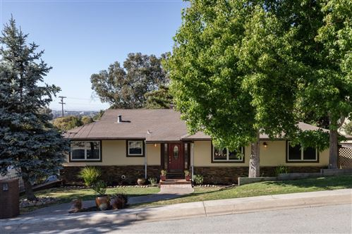 Photo of 3939 Kingridge DR, SAN MATEO, CA 94402 (MLS # ML81801034)