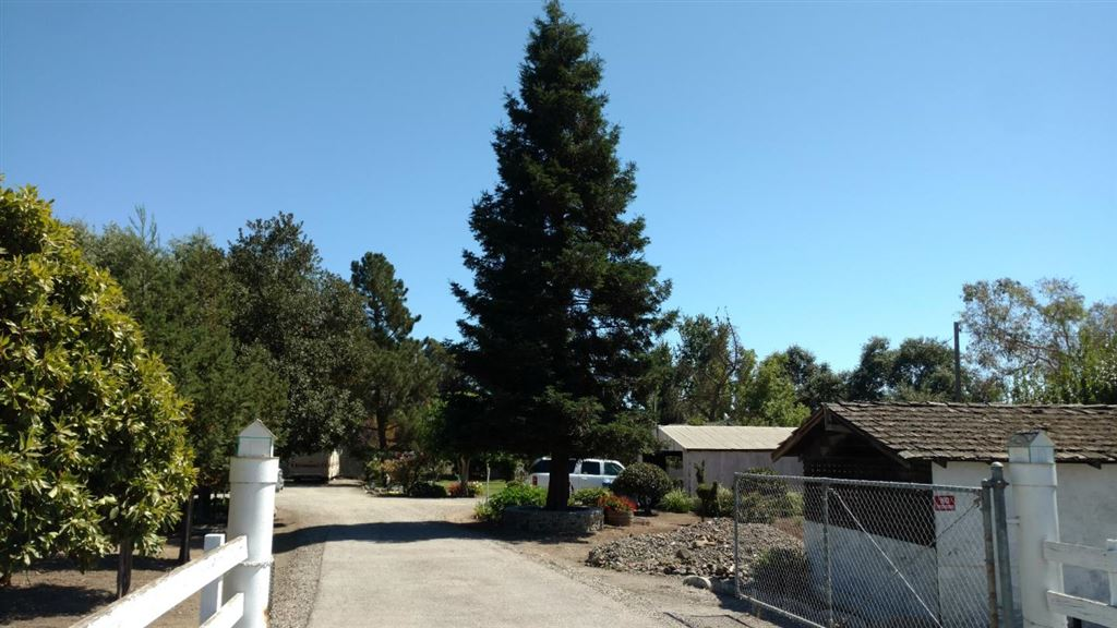 Photo for Maple AVE #A, SAN MARTIN, CA 95046 (MLS # ML81765034)