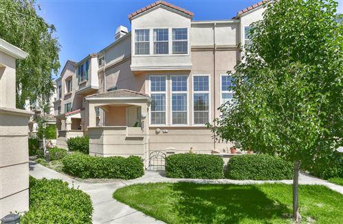 Photo of 391 Montecito WAY, MILPITAS, CA 95035 (MLS # ML81795037)