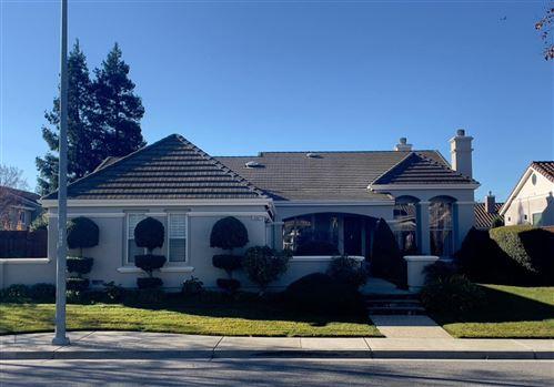 Photo of 19067 Savannah CT, MORGAN HILL, CA 95037 (MLS # ML81826041)