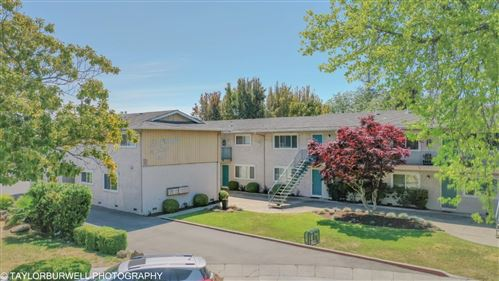 Photo of 636 La Grande Drive, SUNNYVALE, CA 94087 (MLS # ML81841041)