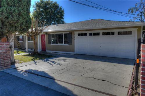 Photo of 2299 Poplar Avenue, EAST PALO ALTO, CA 94303 (MLS # ML81867041)