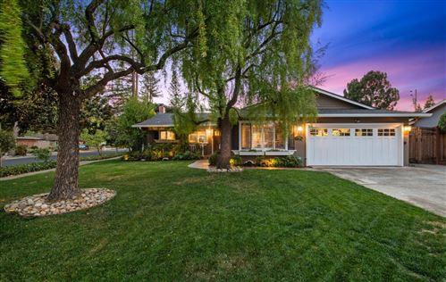 Photo of 16830 Farley Road, LOS GATOS, CA 95032 (MLS # ML81866046)