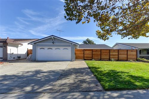 Photo of 5884 Mcgilvra CT, SAN JOSE, CA 95123 (MLS # ML81821052)