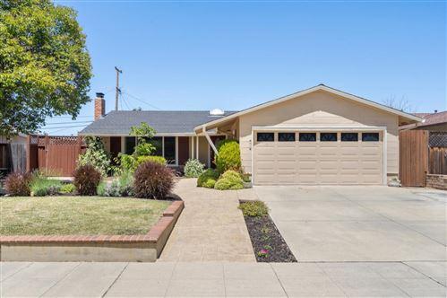 Photo of 4873 Pepperwood WAY, SAN JOSE, CA 95124 (MLS # ML81795056)