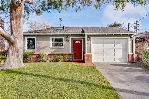 Photo of 1631 Walnut ST, SAN CARLOS, CA 94070 (MLS # ML81825056)