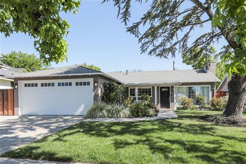 Photo of 2798 Washington Avenue, REDWOOD CITY, CA 94061 (MLS # ML81843056)