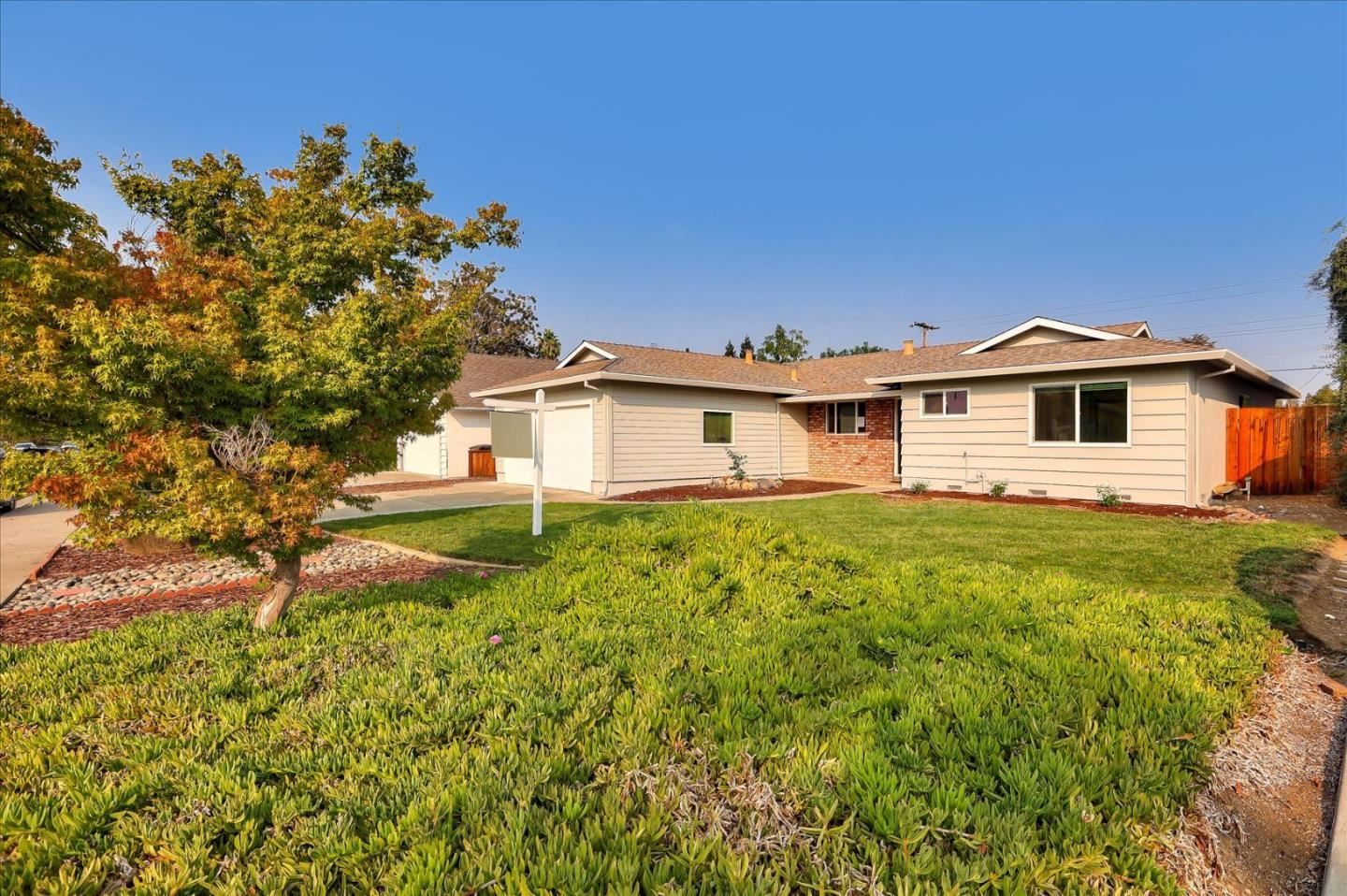 Photo for 800 Monica LN, CAMPBELL, CA 95008 (MLS # ML81815058)