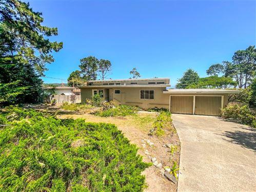 Photo of 32 Cielo Vista Drive, MONTEREY, CA 93940 (MLS # ML81843059)