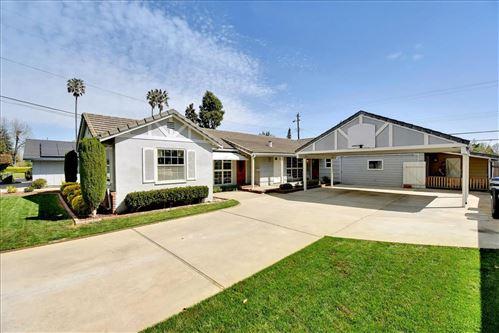 Photo of 964 S Baywood AVE, SAN JOSE, CA 95128 (MLS # ML81838060)