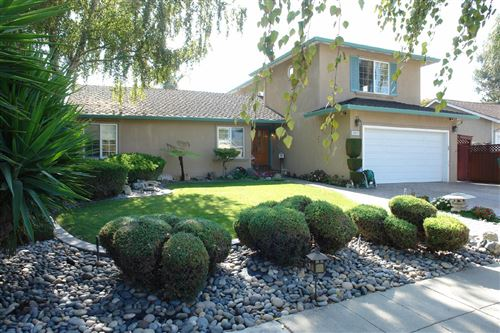 Photo of 502 Bluefield DR, SAN JOSE, CA 95136 (MLS # ML81773061)