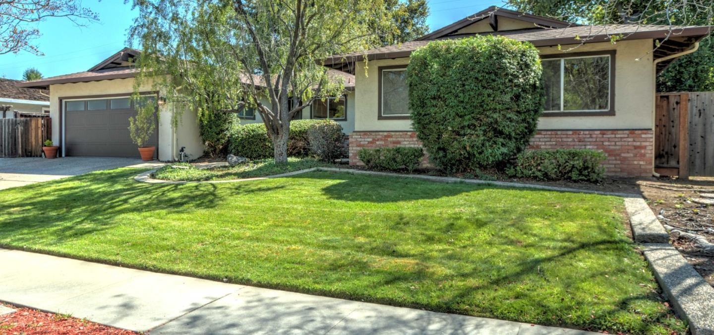 Photo for 110 Lansberry CT, LOS GATOS, CA 95032 (MLS # ML81837064)