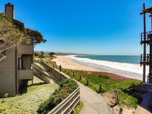 Photo of 10 Mirada RD, HALF MOON BAY, CA 94019 (MLS # ML81791066)
