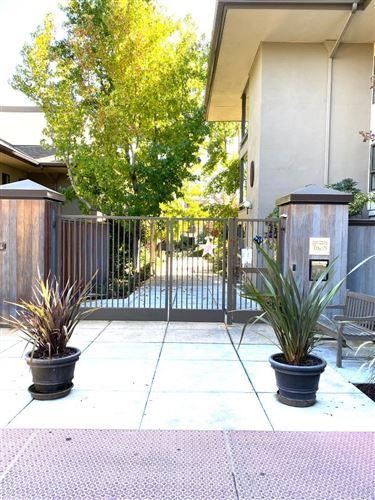 Photo of 2140 Santa Cruz Avenue #D105, MENLO PARK, CA 94025 (MLS # ML81821070)