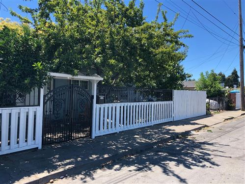 Photo of 2796 Westmoreland AVE, REDWOOD CITY, CA 94063 (MLS # ML81764072)