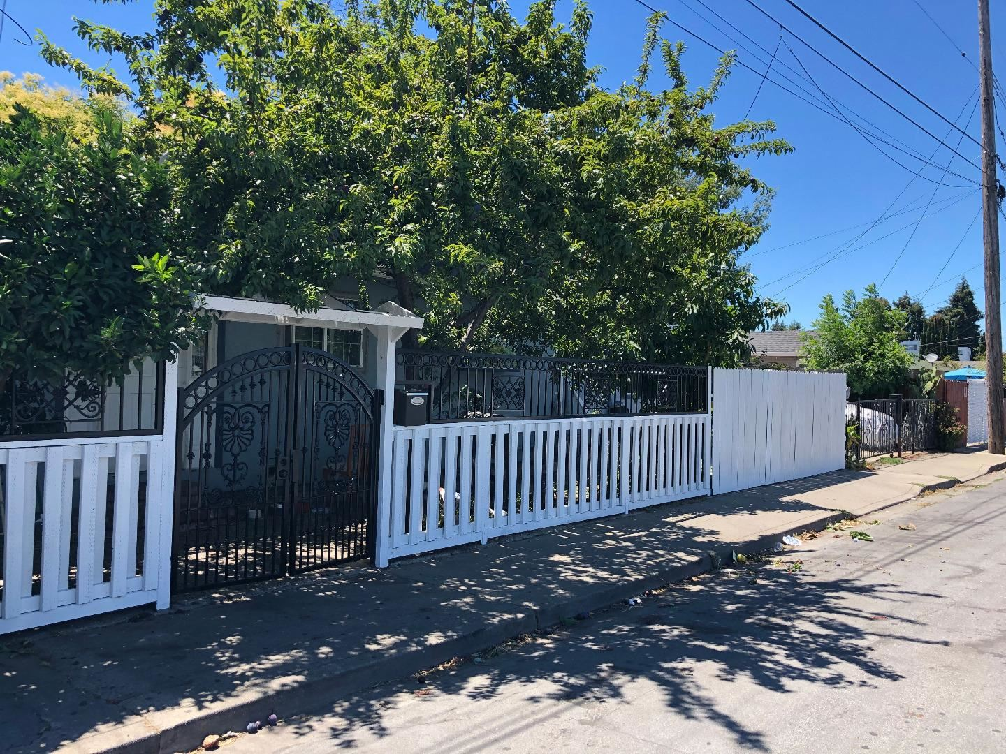 Photo for 2796 Westmoreland AVE, REDWOOD CITY, CA 94063 (MLS # ML81764072)