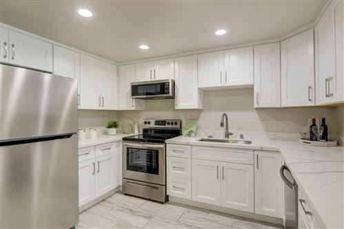 Tiny photo for 1033 Crestview DR 304 #304, MOUNTAIN VIEW, CA 94040 (MLS # ML81821074)