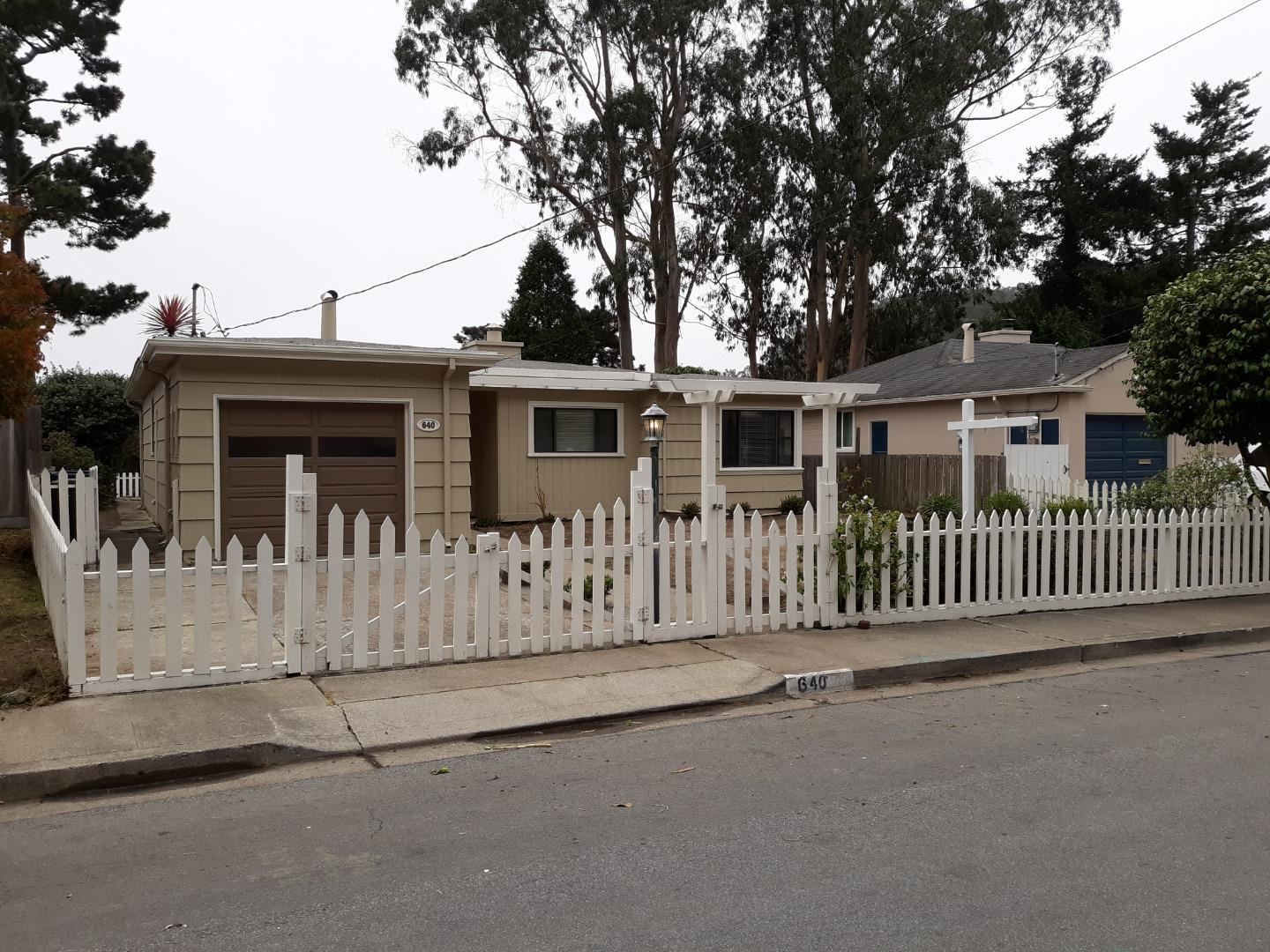 Photo for 640 Larchmont DR, DALY CITY, CA 94015 (MLS # ML81775074)
