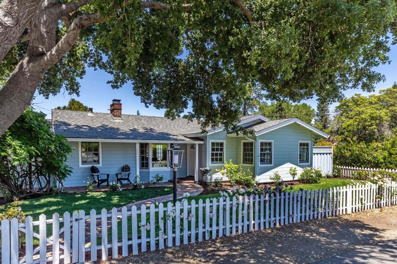Photo for 437 San Luis Avenue, LOS ALTOS, CA 94024 (MLS # ML81847075)