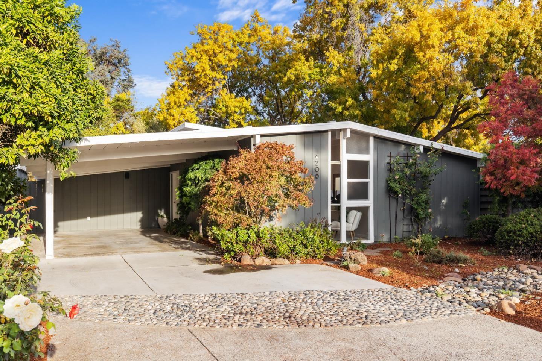 Photo for 4206 Darlington CT, PALO ALTO, CA 94306 (MLS # ML81821076)