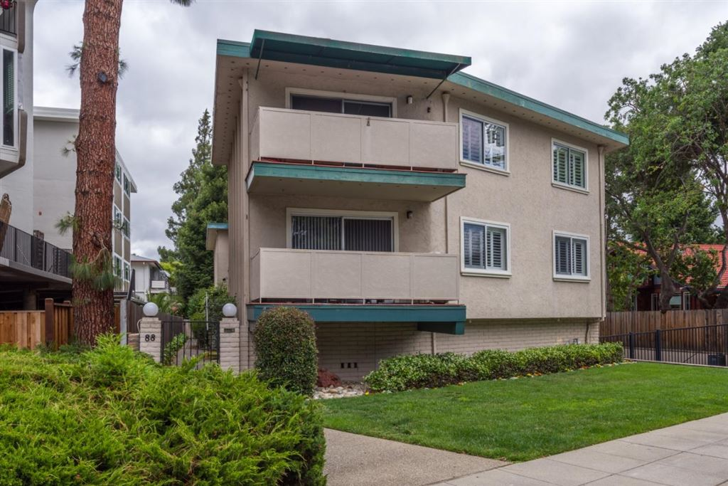 Photo for 88 Claremont AVE 5 #5, REDWOOD CITY, CA 94062 (MLS # ML81765077)