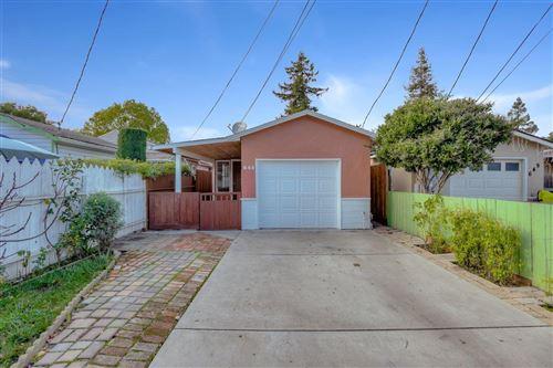 Photo of 645 Hurlingame AVE, REDWOOD CITY, CA 94063 (MLS # ML81822080)